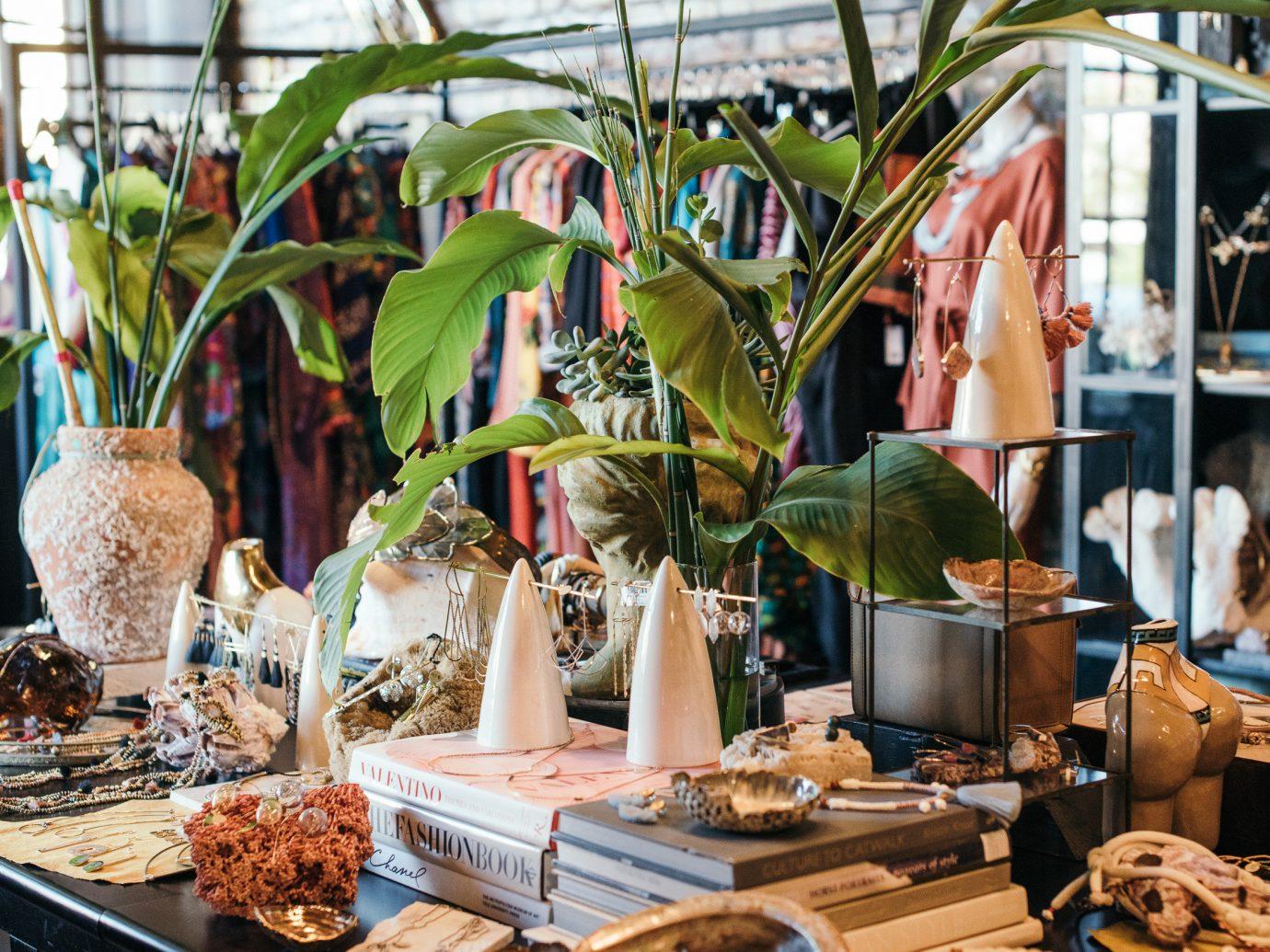 Girls Getaways New Orleans Trip Ideas Weekend Getaways brunch Shop dining table