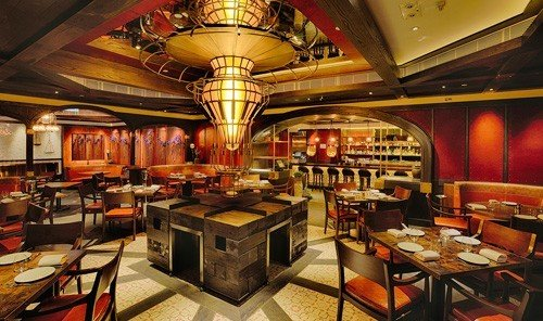 Jetsetter Guides indoor ceiling floor restaurant function hall café Bar recreation room meal dining room