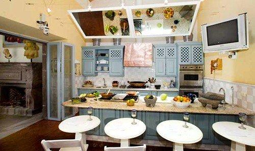 Hotels indoor room property Kitchen estate home living room dining room interior design cottage real estate mansion food cuisine Villa farmhouse countertop area cluttered