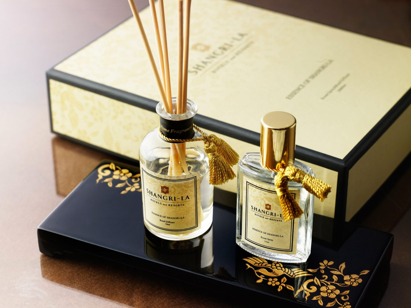 Hotels Luxury Travel table indoor perfume Beauty lighting cosmetics wine bottle flavor bottle