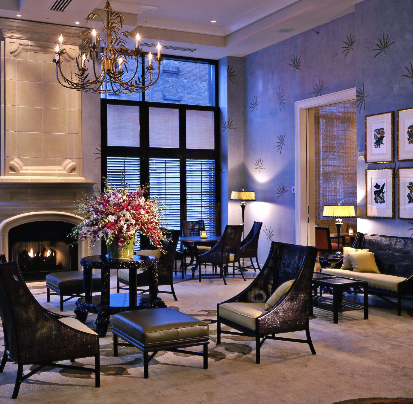 Hip Lounge Luxury Modern chair property living room home Lobby mansion condominium restaurant dining table
