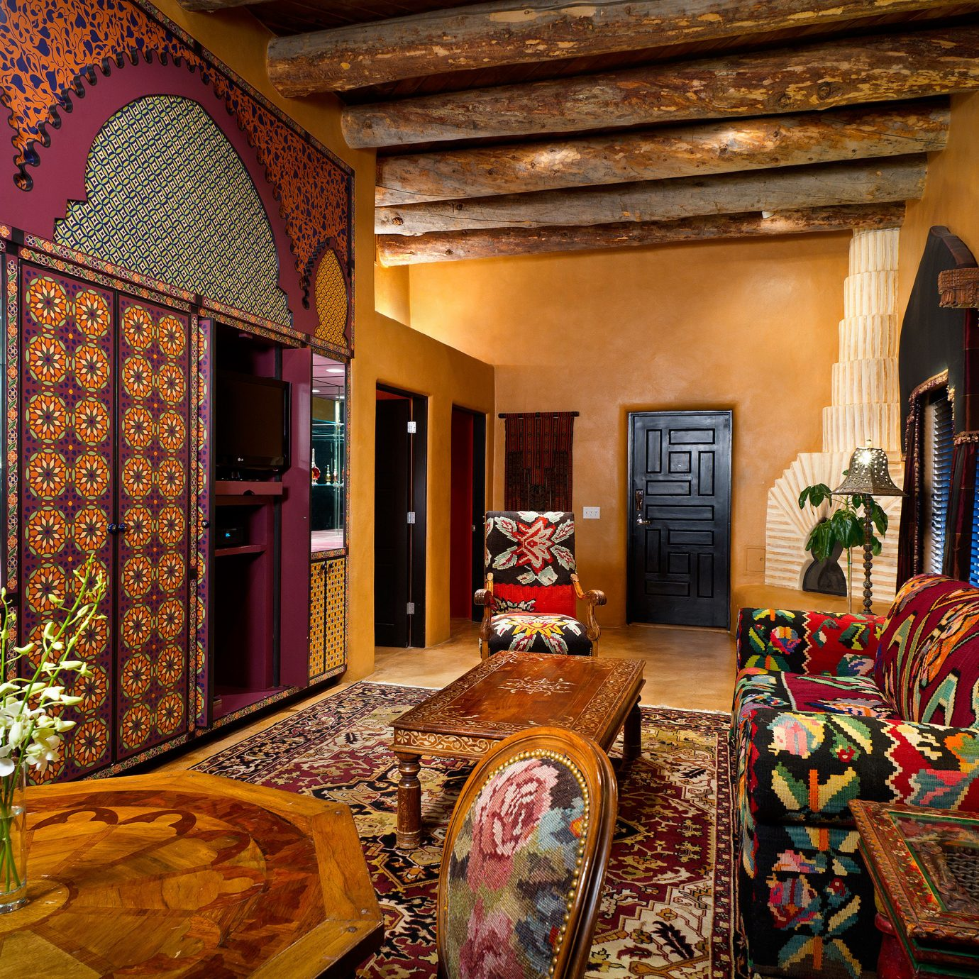 Hip Lounge Rustic living room house home Lobby mansion colorful