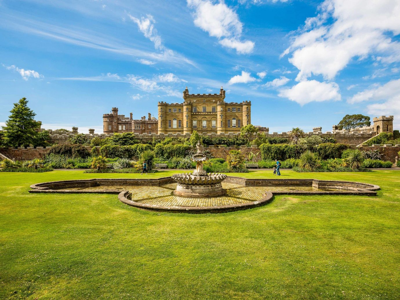 Trip Ideas grass sky outdoor Nature estate stately home cloud lawn national trust for places of historic interest or natural beauty daytime Garden landscape real estate mansion green tree landscaping grassland field land lot meadow grassy water feature lush day