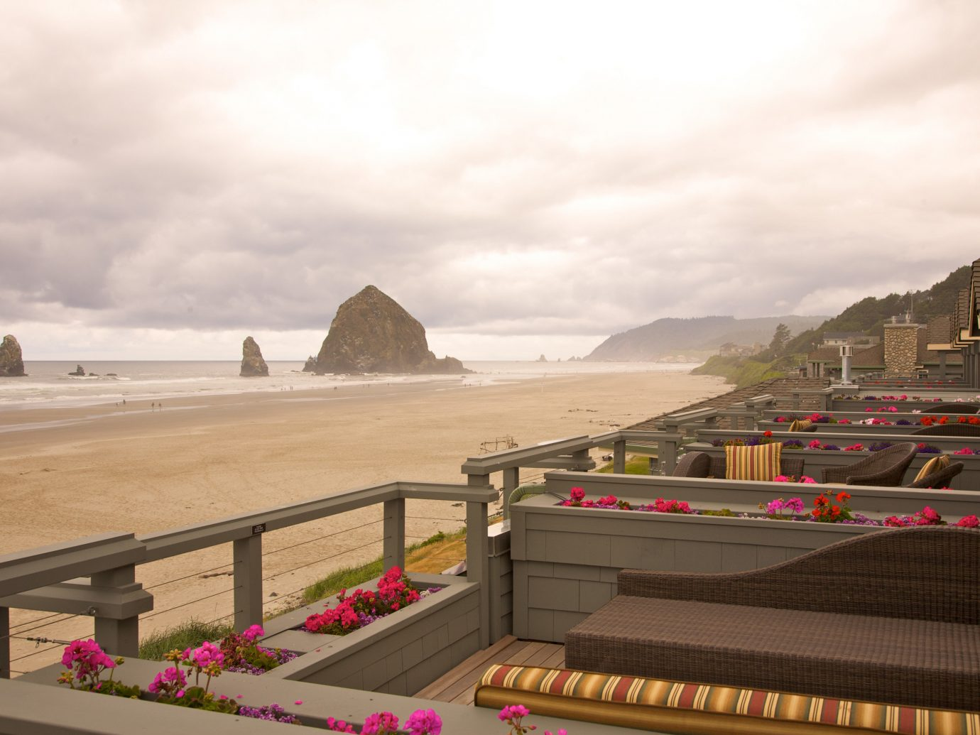 Deck at Stephanie Inn, Oregon overlooking the ocean