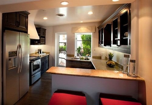 property Kitchen home living room cuisine classique cottage cabinetry stainless condominium Suite Modern Island appliance steel
