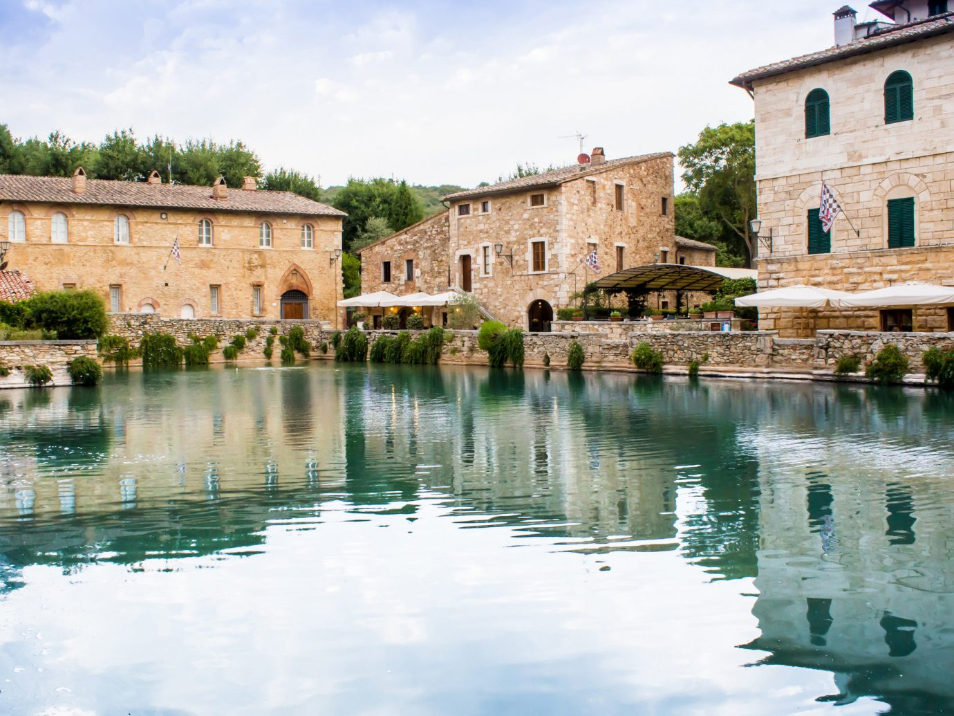 Trip Ideas water outdoor building sky house reflection estate vacation palace River swimming pool Lake waterway château thermae surrounded Town pond castle