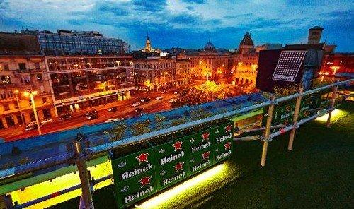 Food + Drink outdoor sport venue cityscape stadium waterway screenshot