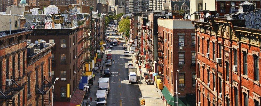 Jetsetter Guides transport street City Town urban area neighbourhood human settlement metropolis cityscape Downtown alley
