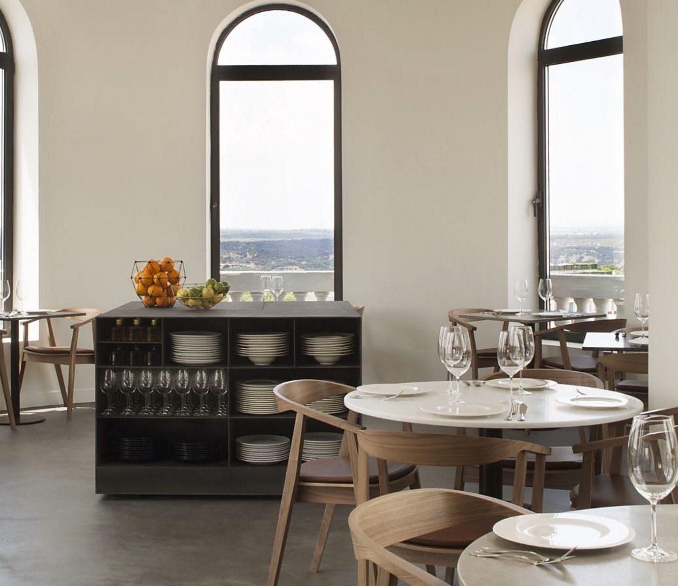 property home restaurant Kitchen cottage living room Villa Suite condominium dining table