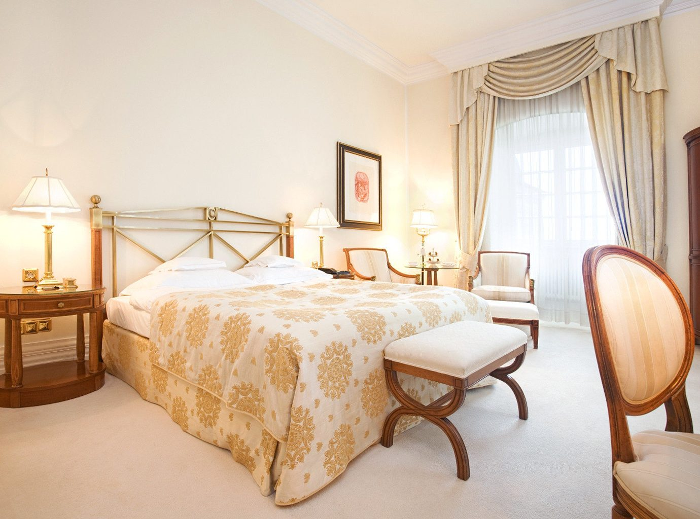 Bedroom Classic Country Historic Hotels Landmarks Luxury Luxury Travel indoor wall floor room bed property Suite hotel estate cottage interior design real estate apartment furniture