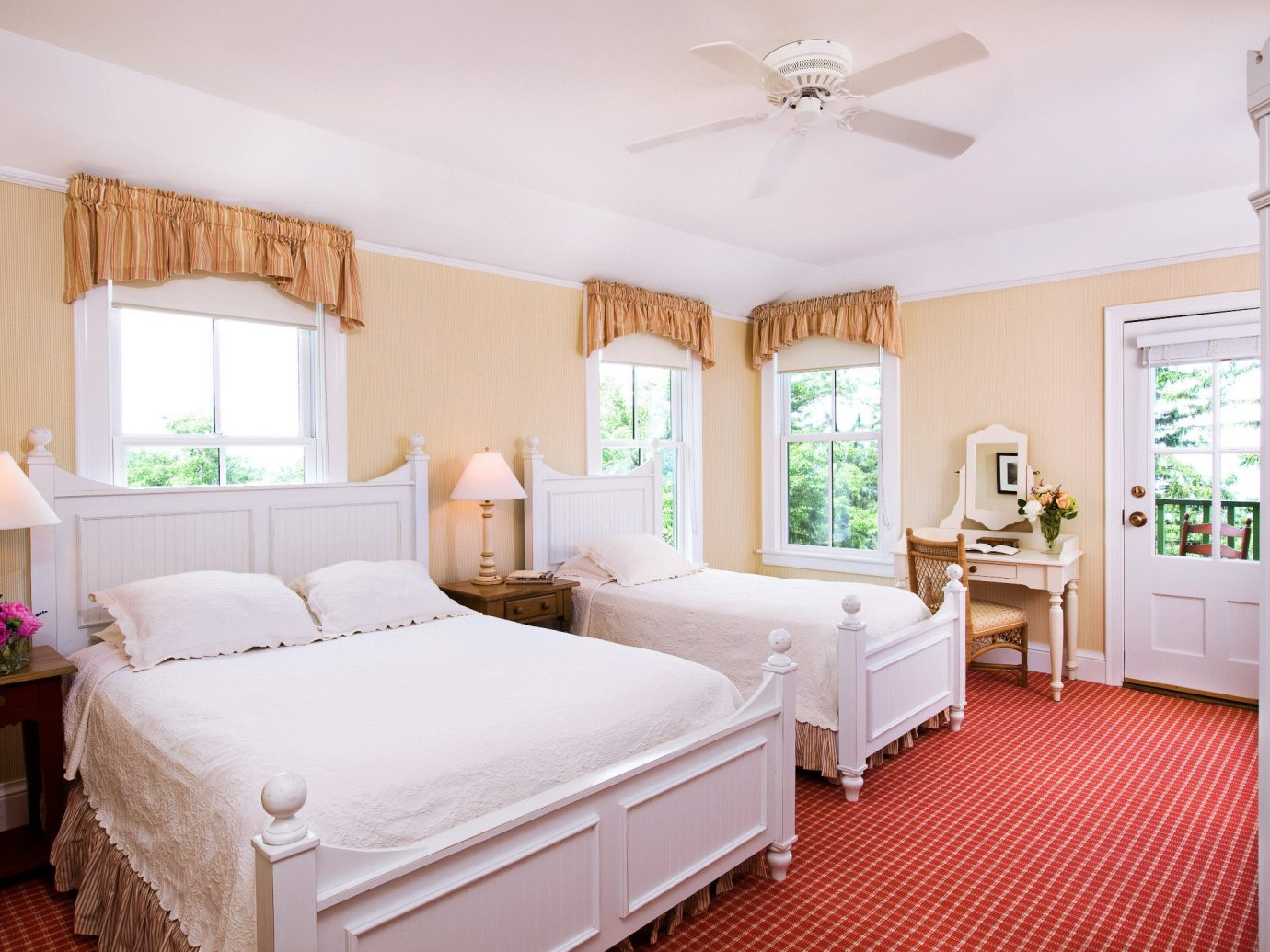 Bedroom Classic Hotels Lakes + Rivers Luxury Mountains Outdoor Activities Resort indoor floor wall room bed ceiling property estate real estate cottage home interior design Suite several