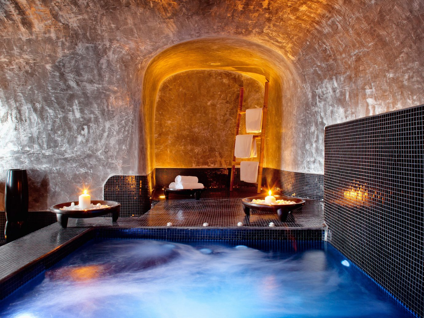 Beach Beachfront Greece Hotels Lounge Luxury Modern Ocean Pool Santorini indoor stone thermae swimming pool cooking