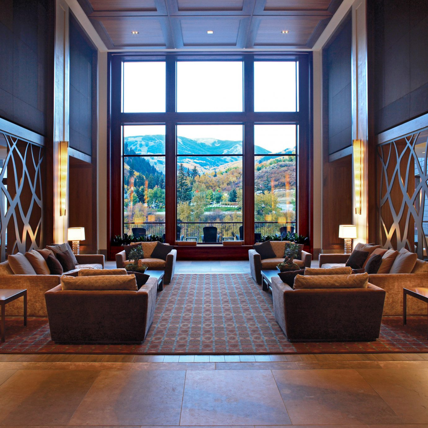 Lounge Resort Scenic views Lobby property living room home mansion hall