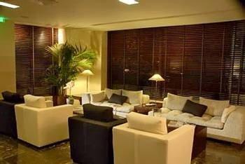 property Lobby living room Suite condominium restaurant