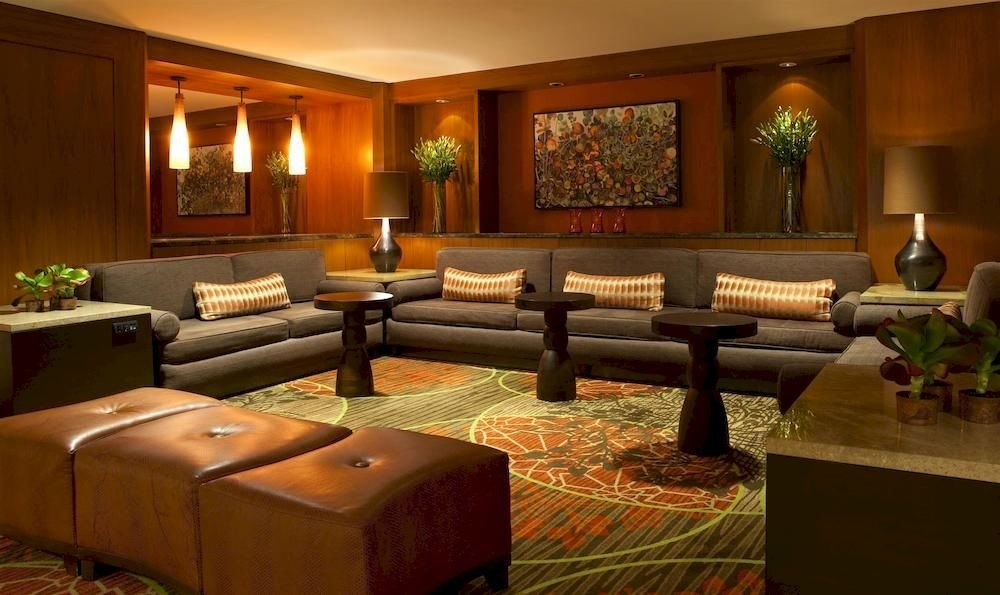 Lobby property living room Suite recreation room mansion