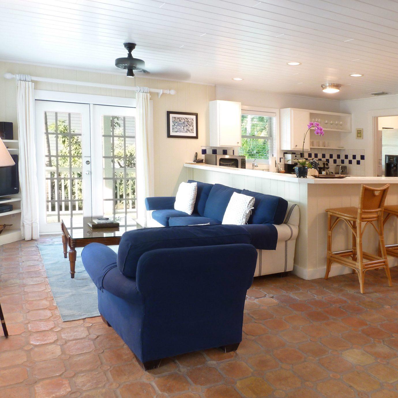 property living room condominium home hardwood Suite Villa cottage Lobby flooring wood flooring rug