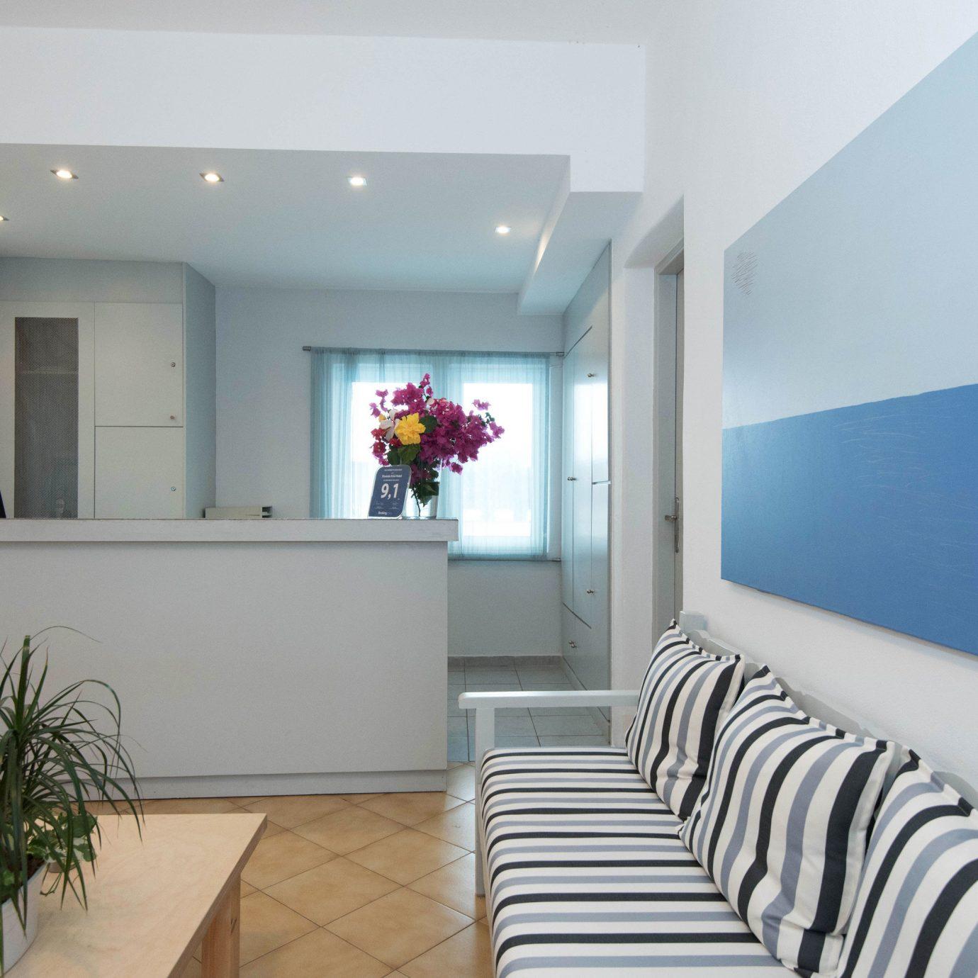 property condominium living room home daylighting plant waiting room Modern