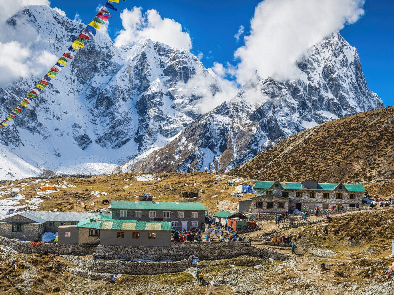 Trip Ideas sky mountainous landforms mountain mountain range geological phenomenon alps ridge mountain pass Adventure plateau summit