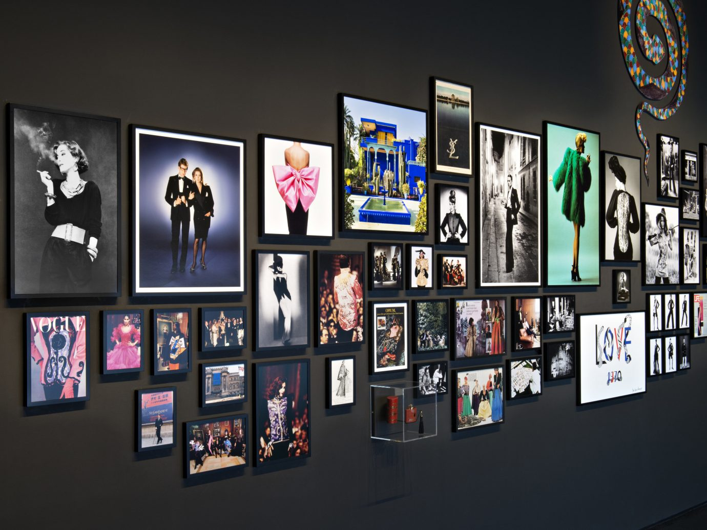 Arts + Culture News room gallery wall scene indoor exhibition many product bunch art collection art exhibition different several line lined