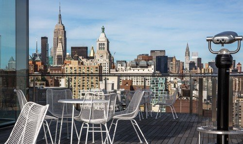 Jetsetter Guides chair outdoor landmark City skyline plaza human settlement cityscape metropolis panorama