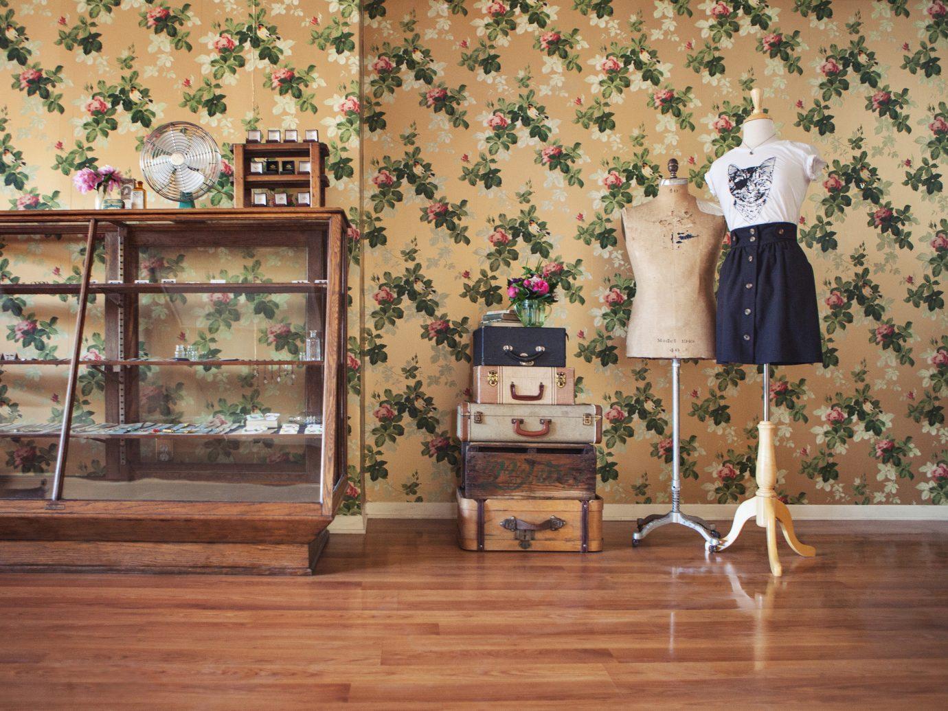 Style + Design wall floor indoor Living room wooden interior design art flooring home wood Design wallpaper mural furniture