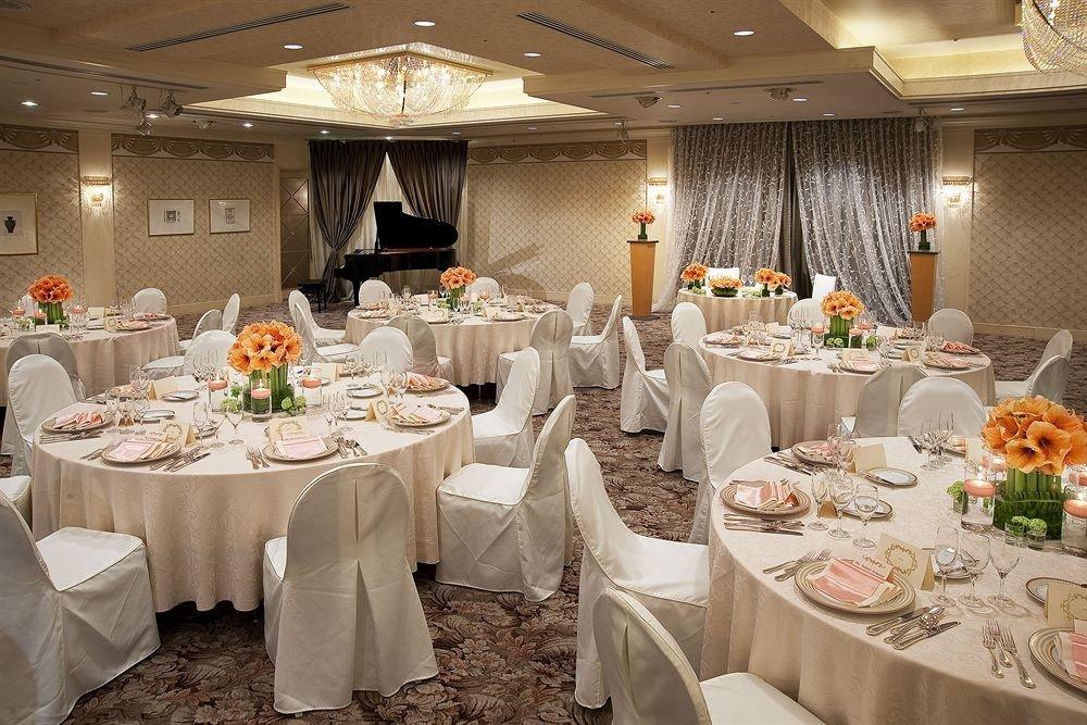 plate function hall banquet counter wedding ceremony Party wedding reception event ballroom buffet restaurant centrepiece