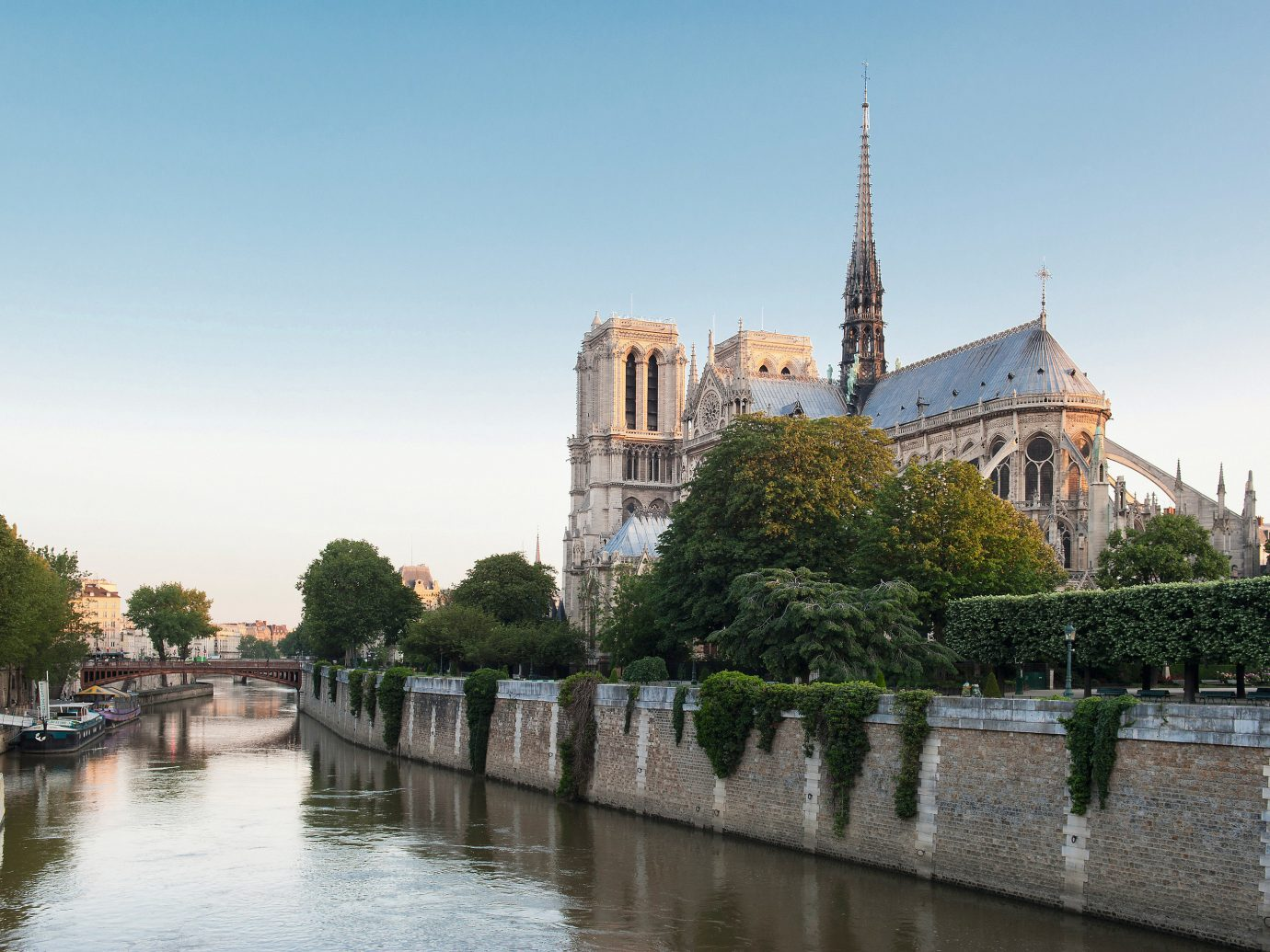 Hotels Jetsetter Guides Trip Ideas outdoor water sky tree River landmark waterway tourism Canal cityscape château palace Lake tours reflection place of worship travel moat traveling surrounded day