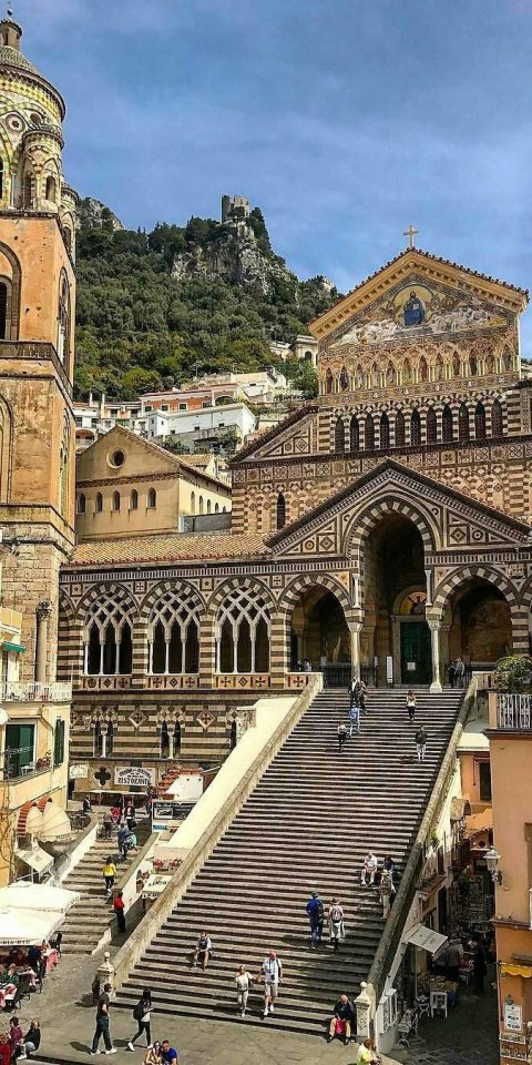 Trip Ideas building outdoor landmark historic site Town human settlement Architecture plaza palace ancient history facade town square cityscape basilica cathedral place of worship government building