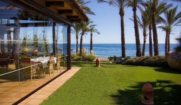 grass property Resort palm tree arecales leisure Villa hacienda condominium cottage overlooking