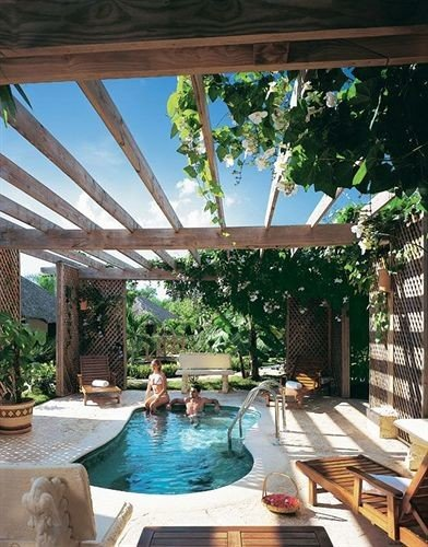 building swimming pool property Resort backyard Villa home outdoor structure porch eco hotel plant