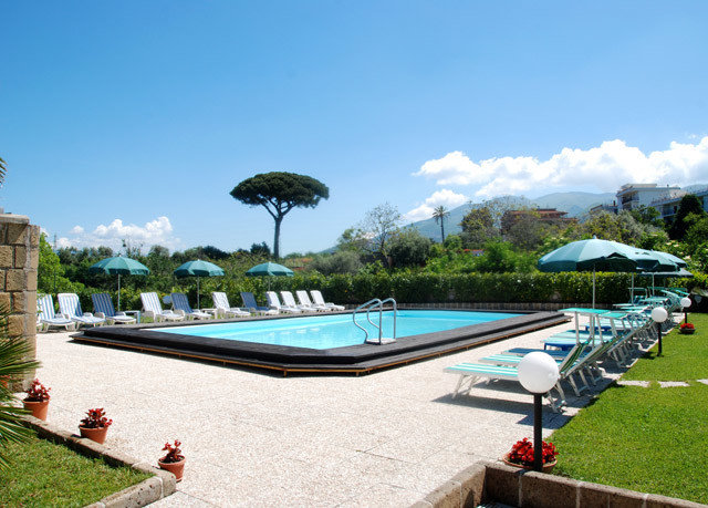 sky water swimming pool leisure property Villa Resort reflecting pool backyard mansion