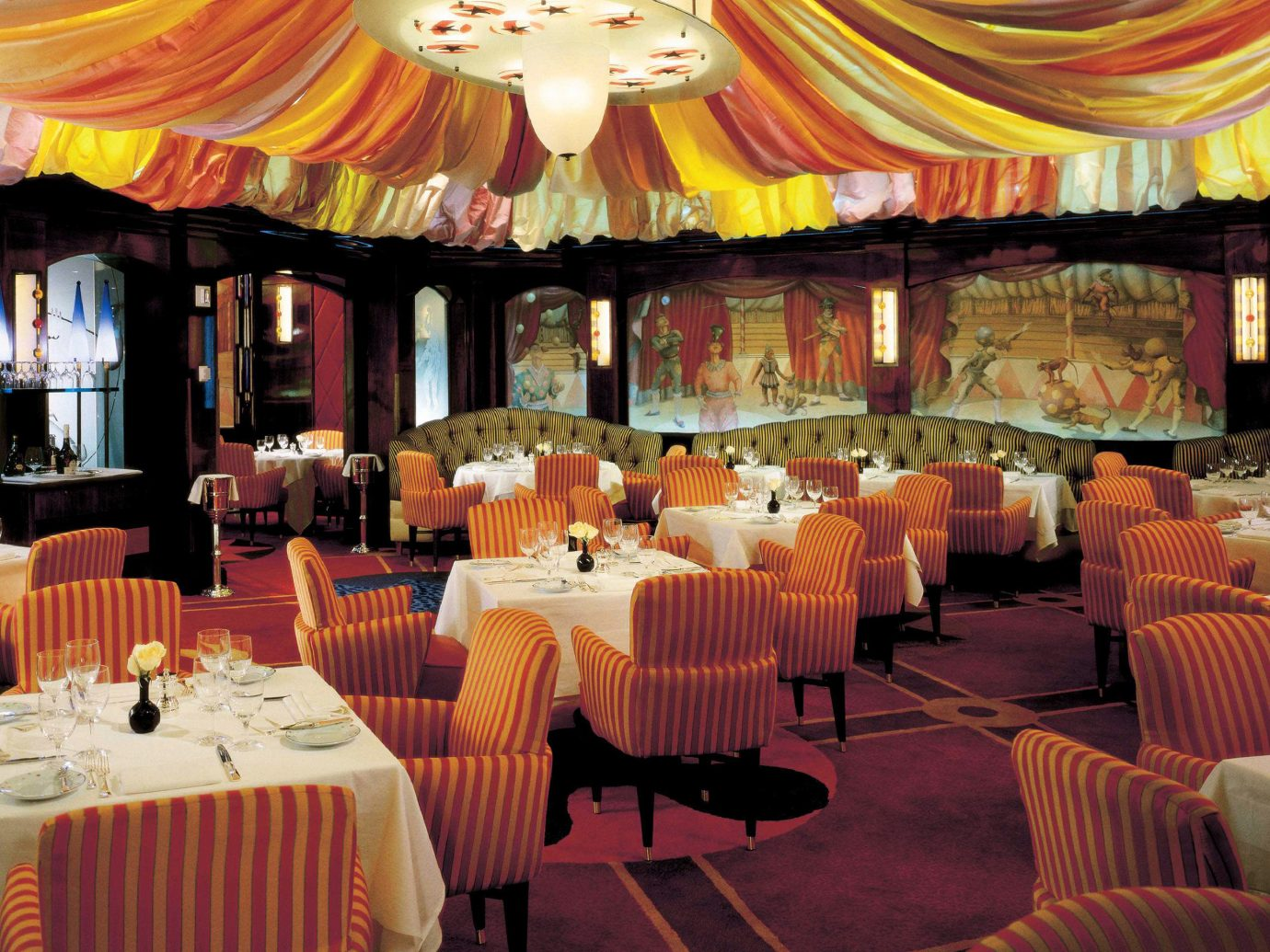 Bar Dining Drink Eat Hotels Nightlife Party Play Romance table indoor function hall meal restaurant banquet ballroom wedding reception