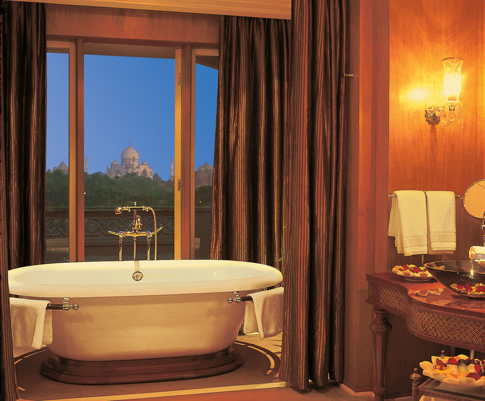 bathroom Suite swimming pool bathtub jacuzzi tub