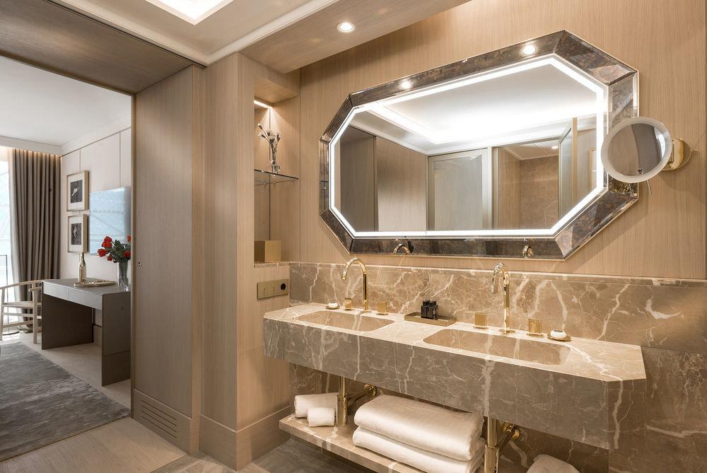 bathroom mirror sink property home flooring Suite clean