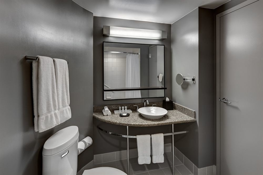 bathroom toilet sink mirror property home white Suite cottage rack