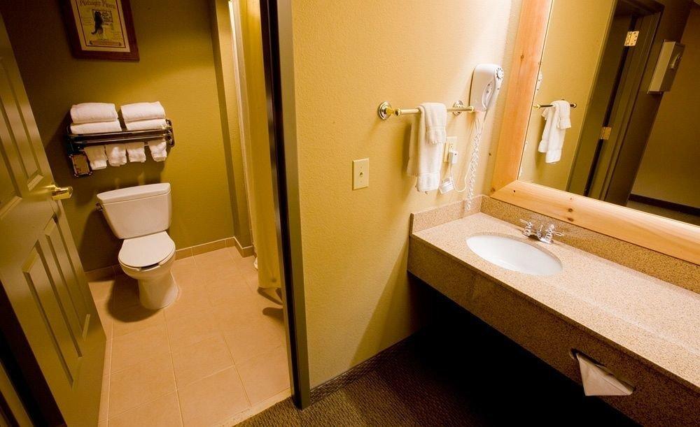 bathroom mirror property sink house home Suite toilet flooring