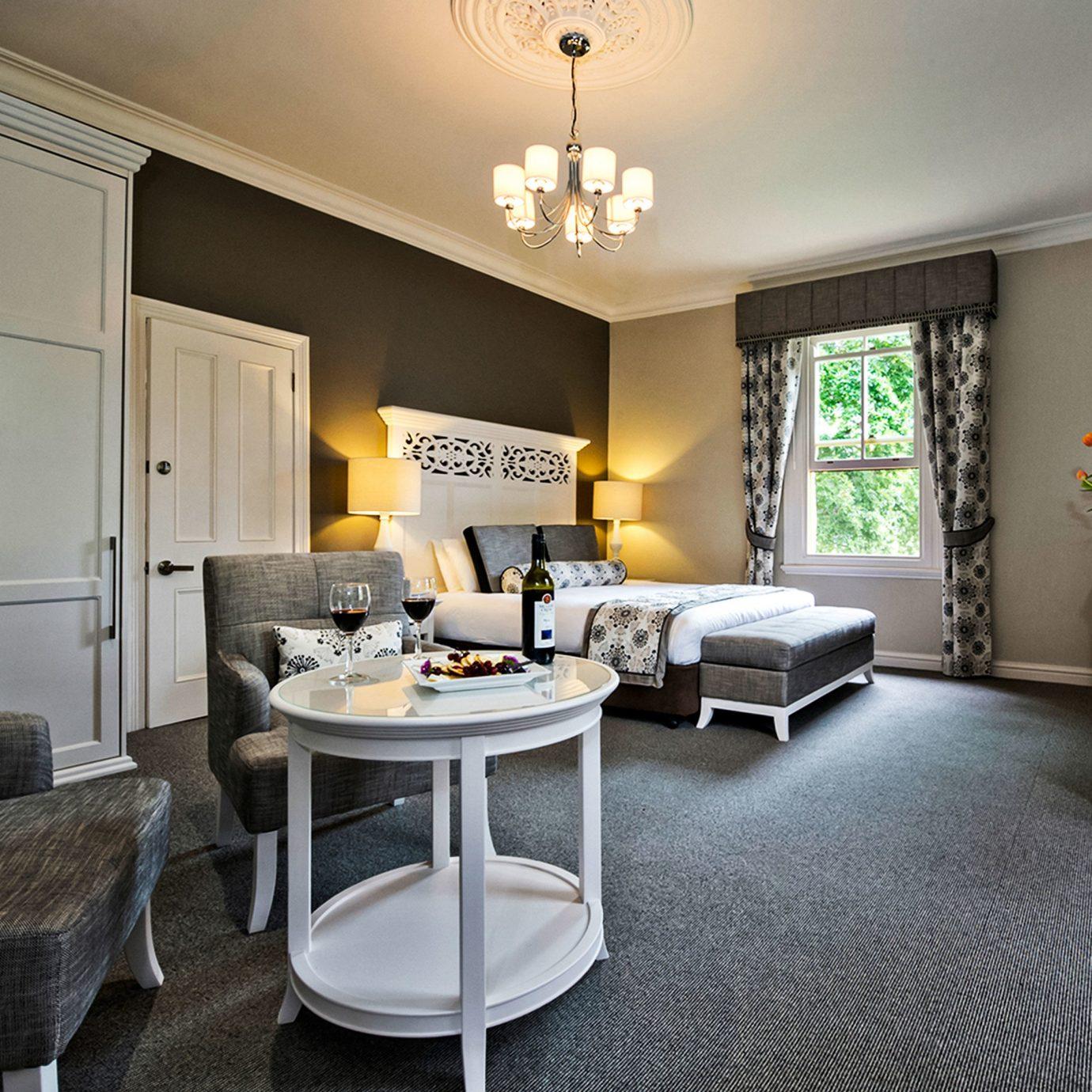 living room property home condominium Suite hardwood cottage flooring