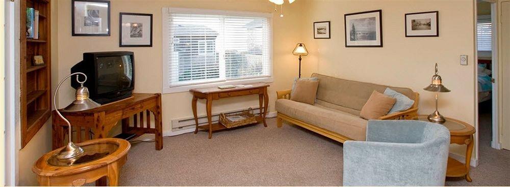 property building cottage home living room condominium Suite Villa