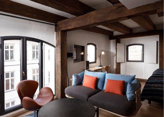 chair living room property home cottage Suite loft Villa farmhouse seat