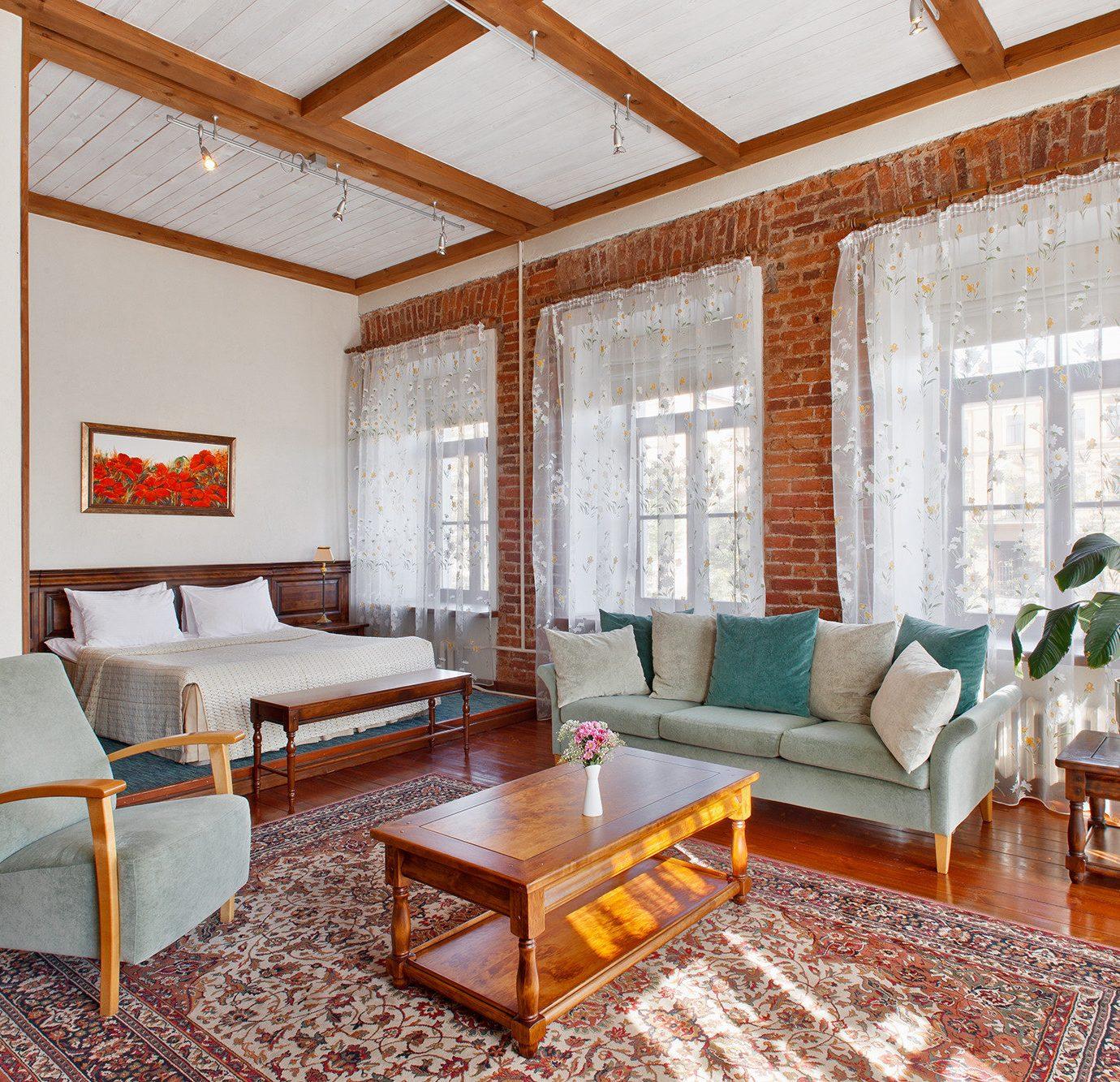 property living room home cottage Suite hardwood condominium Villa farmhouse