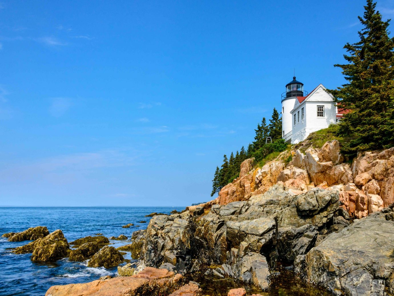 rock outdoor water rocky Coast tower Sea shore Nature cliff vacation Ocean terrain cape cove lighthouse Beach bay stone