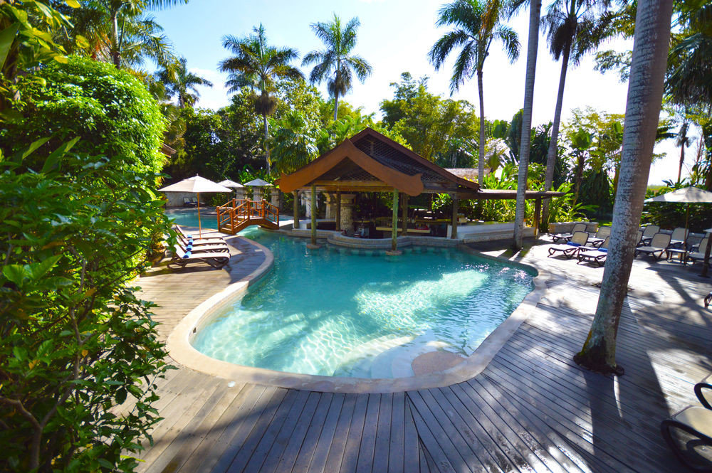 All-Inclusive Resorts tree outdoor ground swimming pool leisure Resort property vacation estate Pool Villa resort town caribbean backyard Water park eco hotel lined area wood shade surrounded several