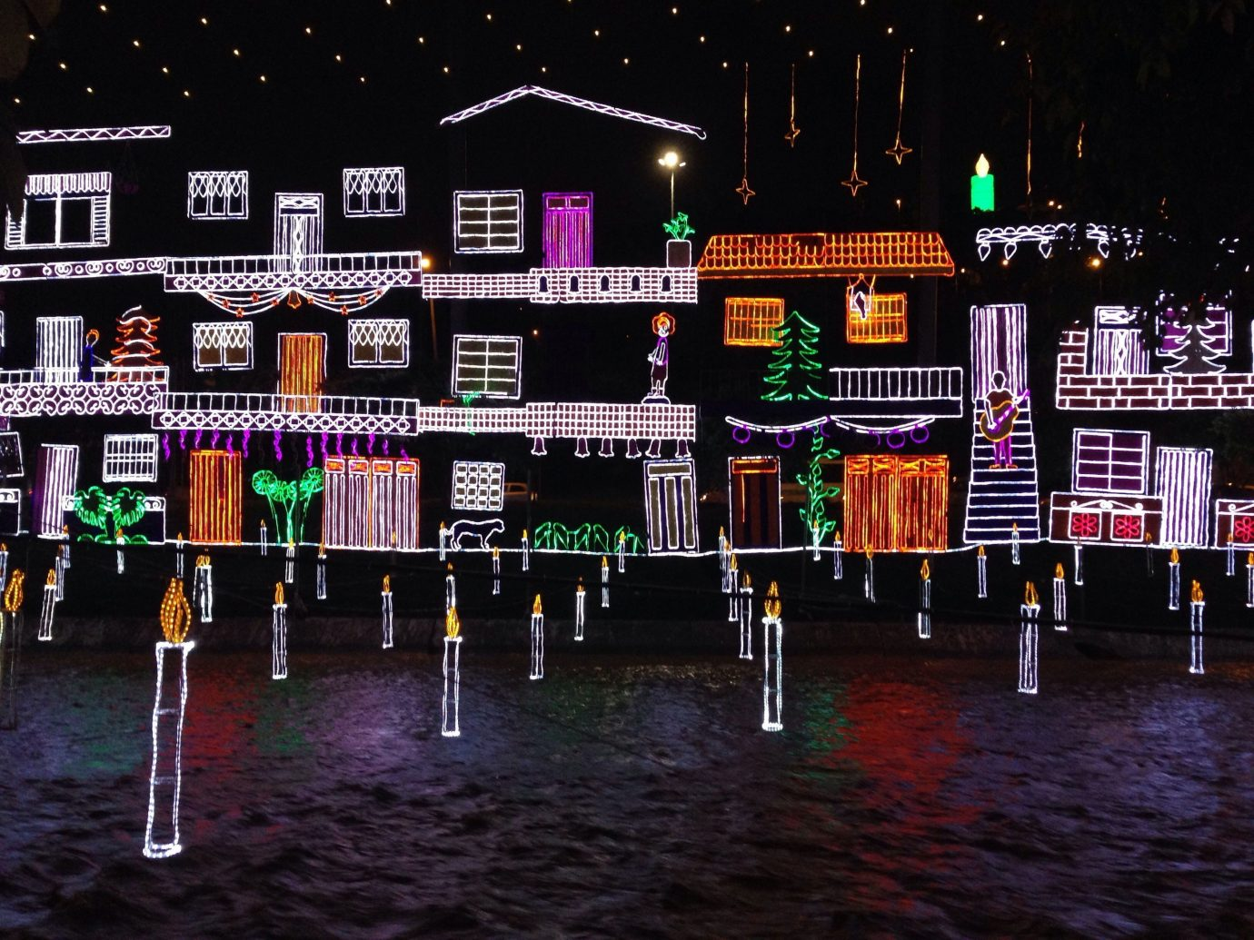 Offbeat color night light lighting christmas lights christmas decoration cityscape rainy