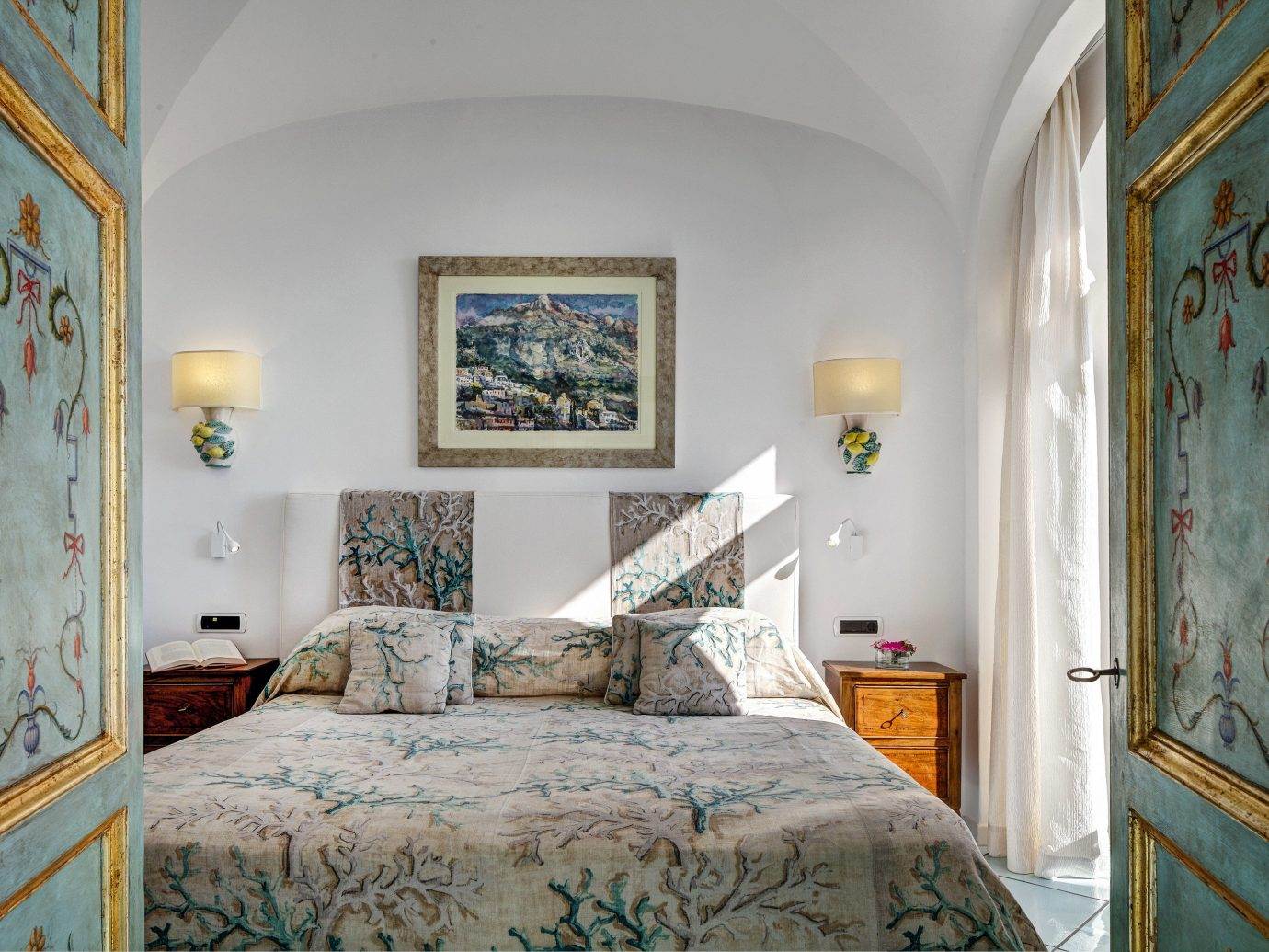 Hotels Romance bed indoor wall Bedroom room ceiling property home interior design scene Architecture estate Suite real estate window house pillow interior designer decorated painting