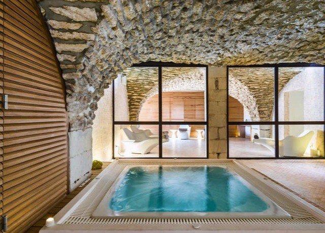 swimming pool building property Villa cottage home mansion backyard farmhouse stone