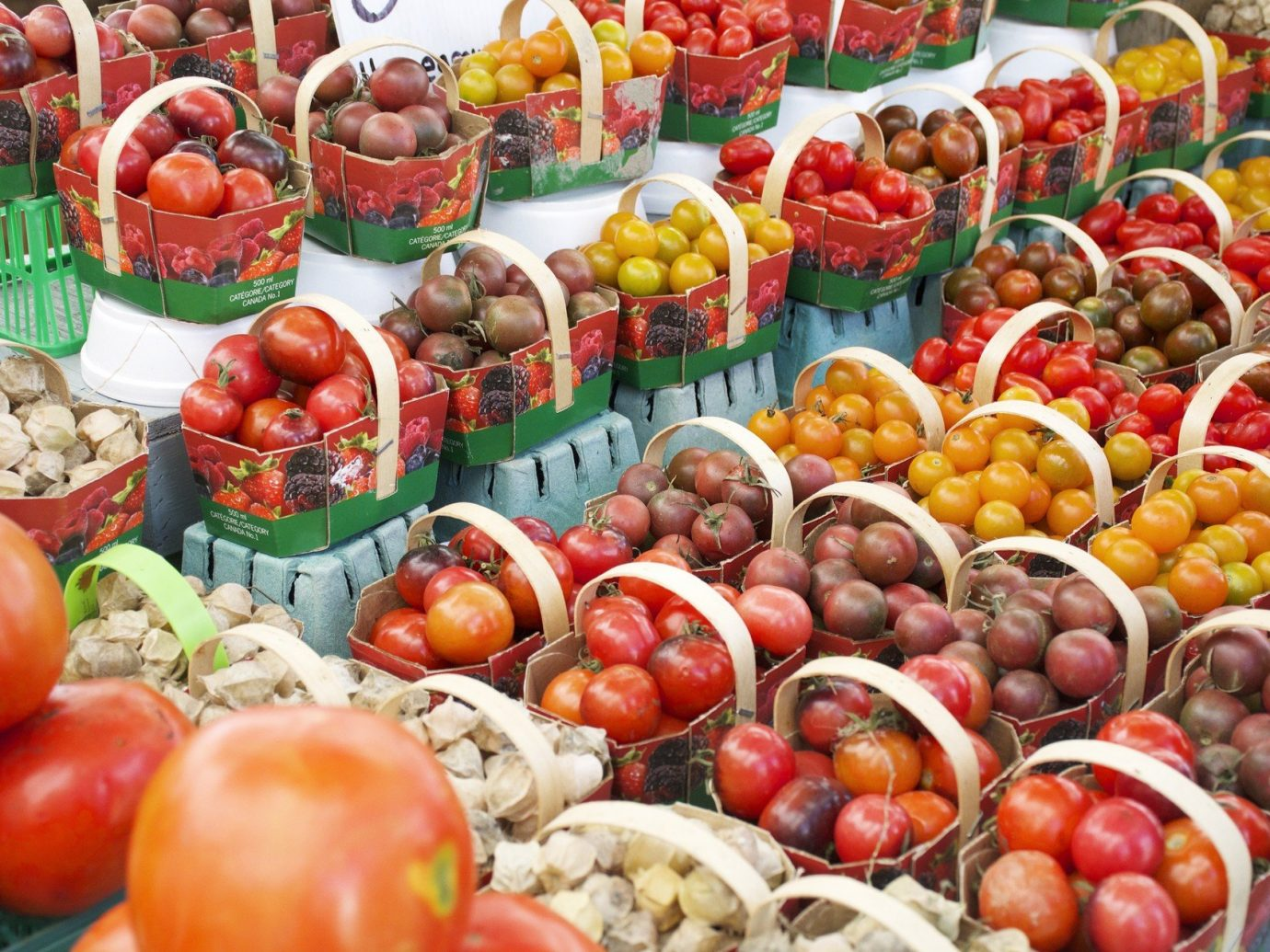 Jetsetter Guides local food food public space City produce marketplace plant fruit human settlement market land plant vegetable tomato flowering plant seafood boil greengrocer arranged variety