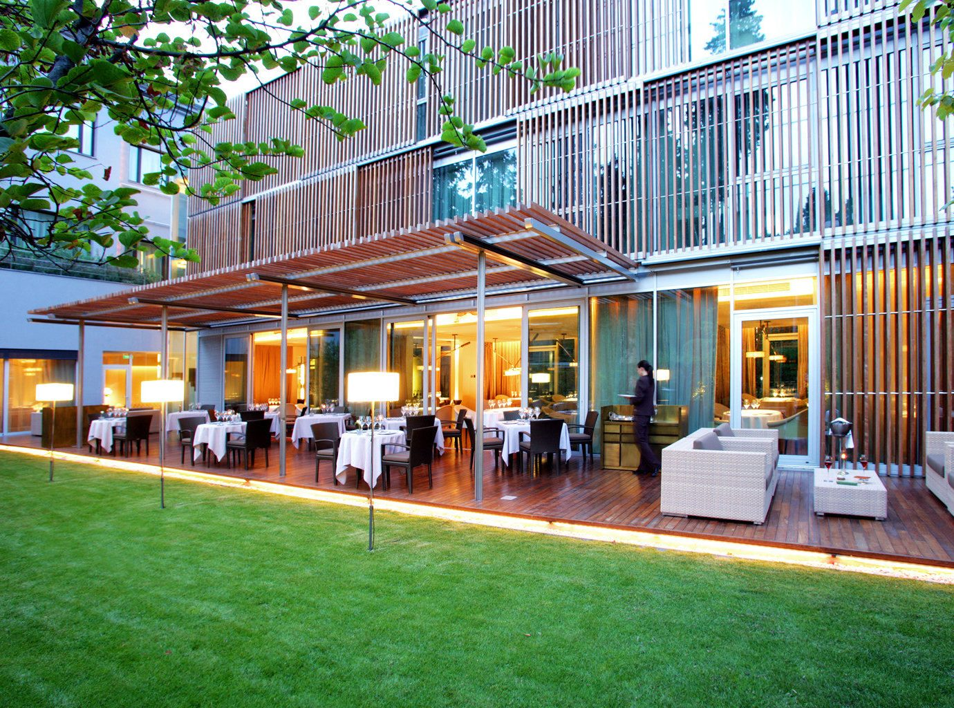 Bar Boutique Hotels Dining Drink Eat Hotels Lounge Modern grass outdoor leisure property building house home condominium estate neighbourhood residential area real estate Resort facade park Courtyard