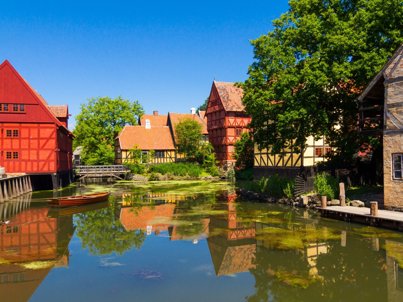 Trip Ideas water building outdoor tree house Town estate reflection tourism River Village waterway rural area autumn château surrounded