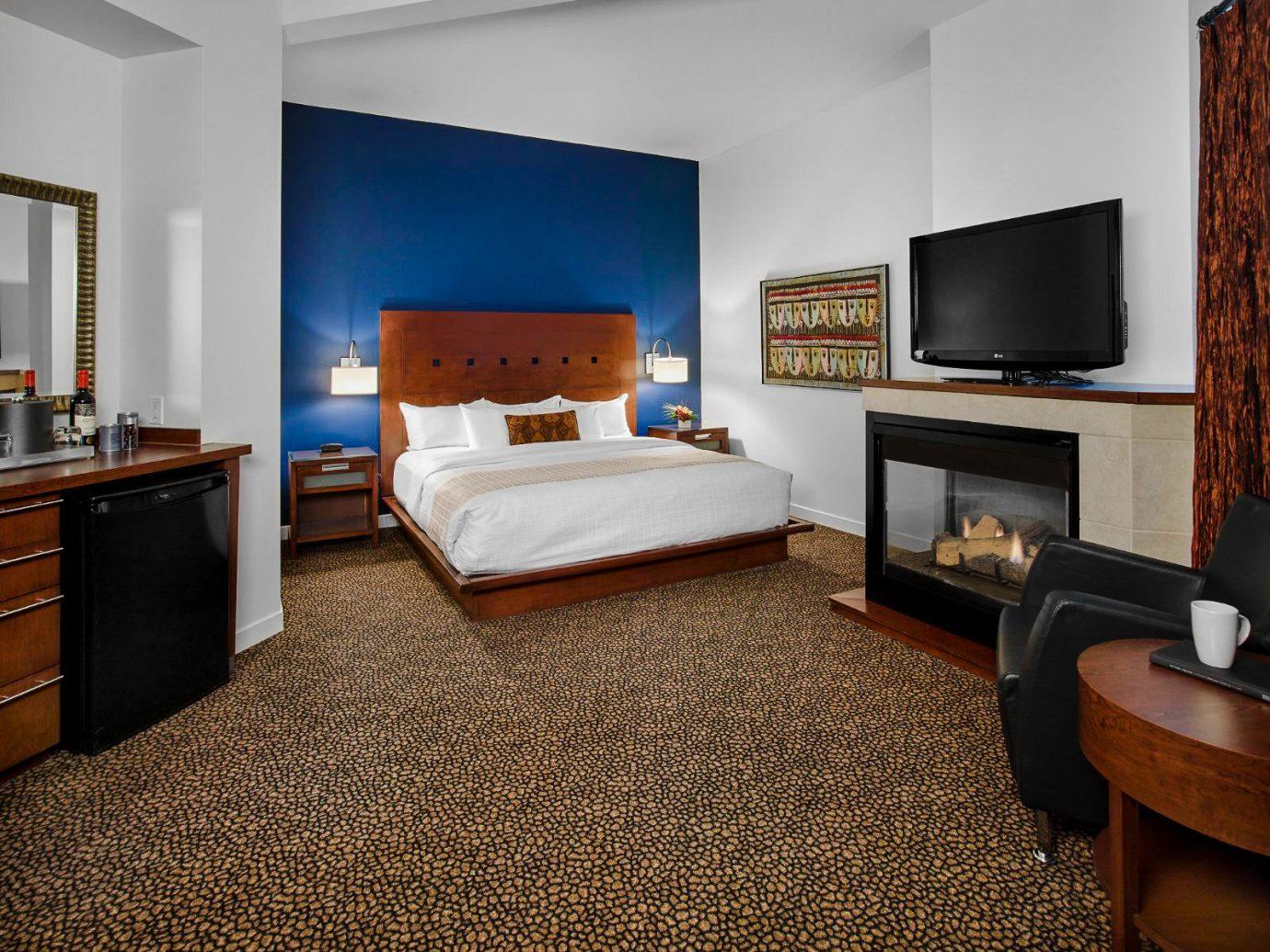 Alberta Canada Road Trips indoor wall floor room Living television ceiling Suite interior design real estate flooring Bedroom flat hotel furniture area