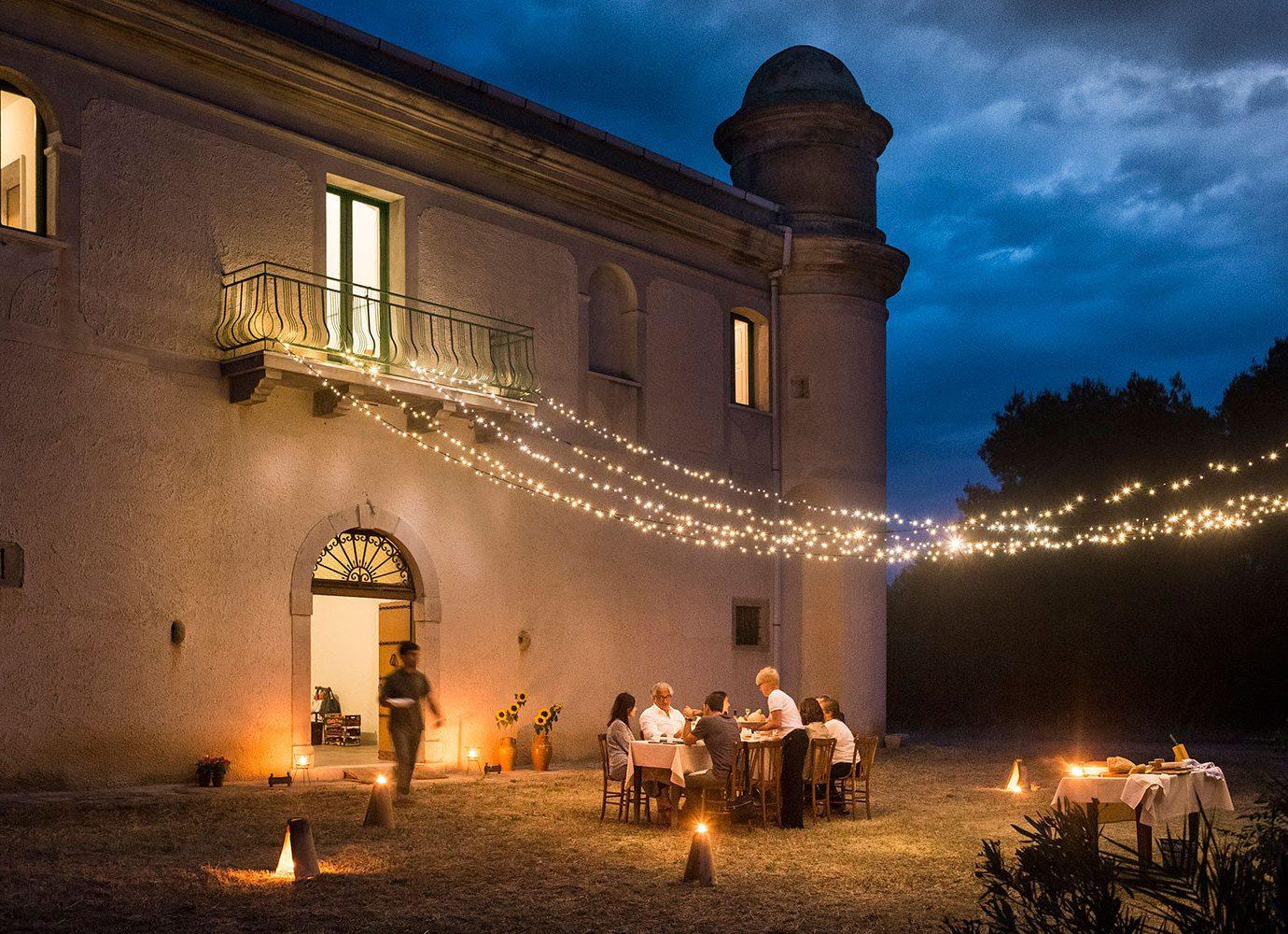 Jetsetter Guides outdoor building night light evening darkness lighting christmas decoration